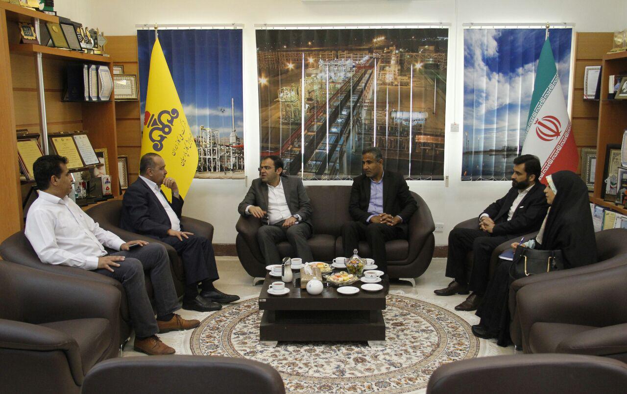 دیدار هیات رئیسه ی دانشگاه  با مهندس ابدالی دهدزی مدیرعامل شرکت پالایش گاز پارسیان