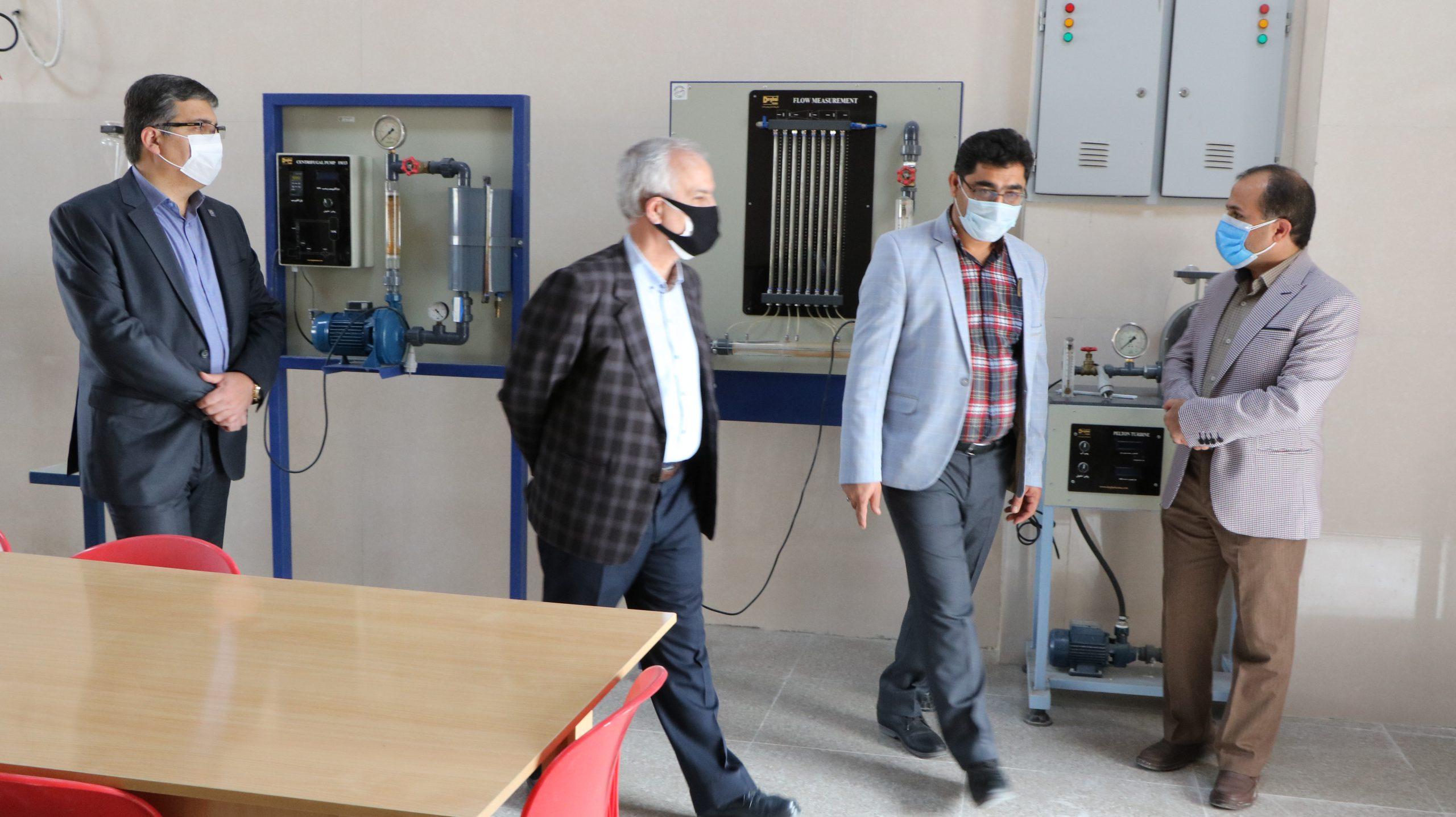 بازدید ریاست دانشگاه شیراز از مرکزآموزش عالی لامرد
