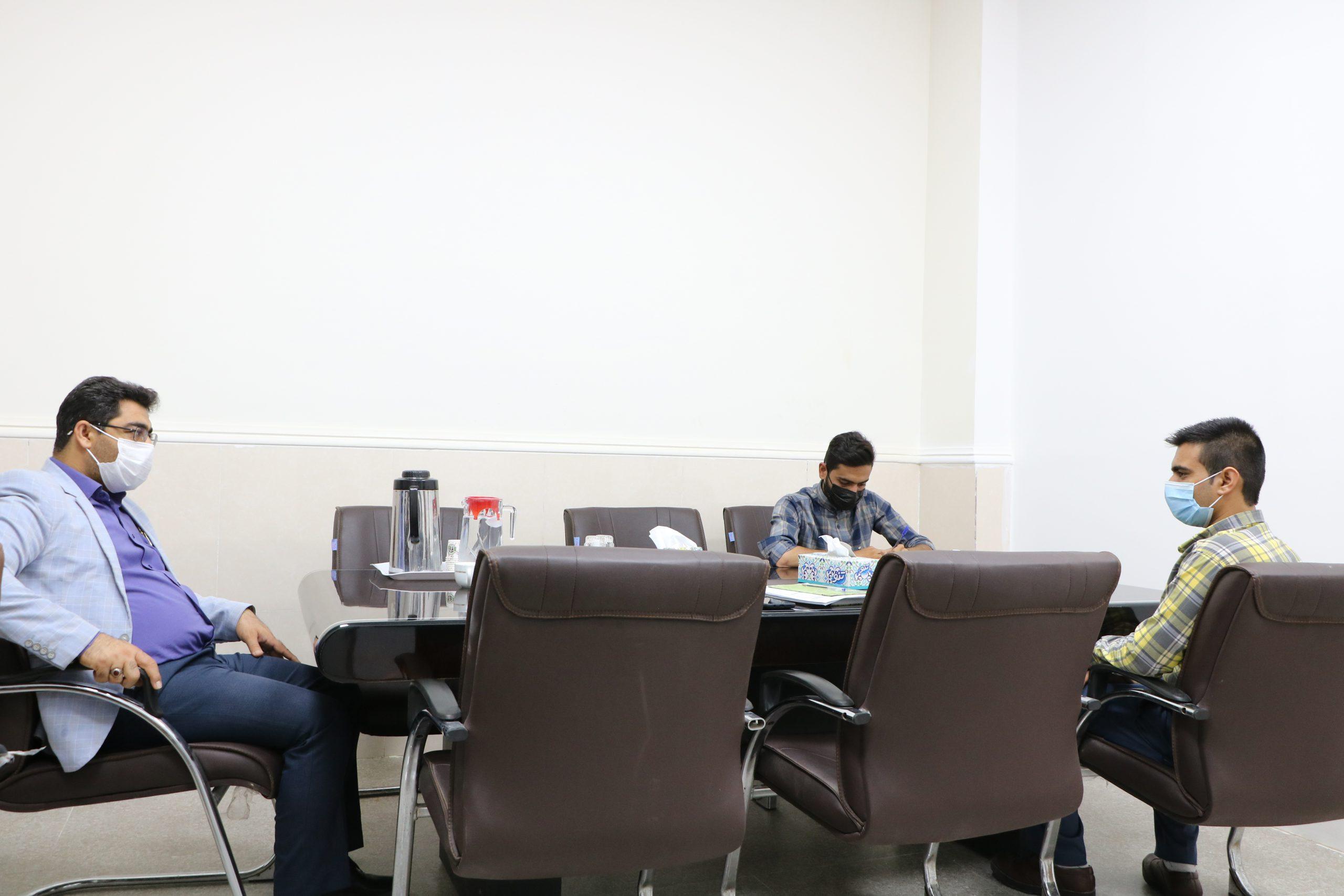 نشست ریاست و حوزه ی فرهنگی با بسیج دانشجویی مرکز در طلیعه ی هفته دفاع مقدس